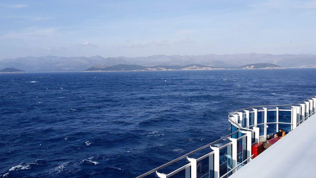 costa venezia in navigazione